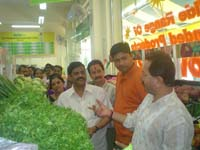 3 Foodland Fresh outlets in Ulhasnagar