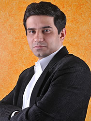 http://www.indiantelevision.com/images18/rajesh_kamat.jpg