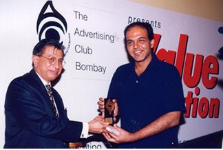 http://www.indiantelevision.com/images5/vc1.jpg