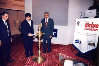 http://www.indiantelevision.com/images5/vc2.jpg