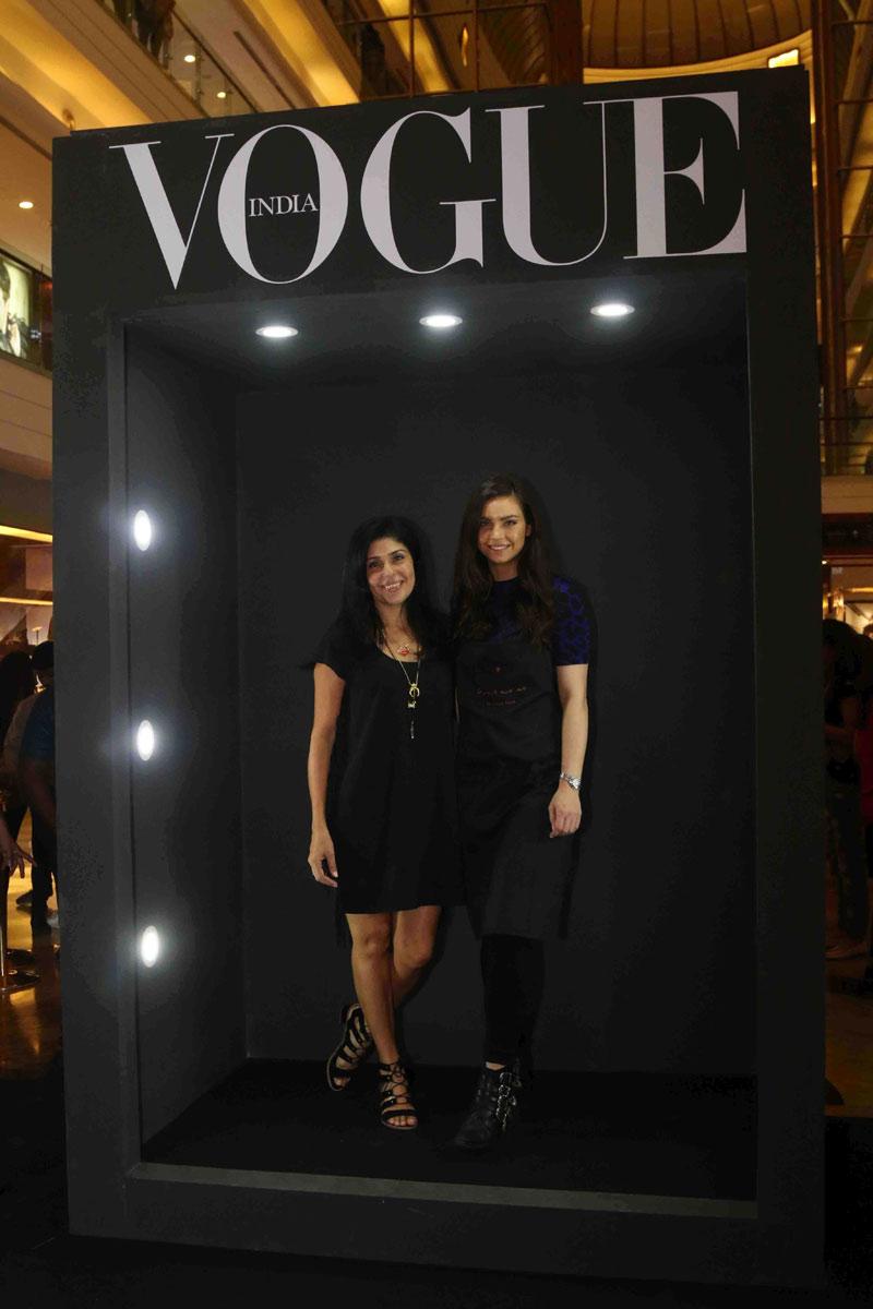 public://images/exec-life-images/2015/09/04/Anaita-Shroff-Adajania,-Fashion-Director,-Vogue-India-with-Sarah-Todd-at-Fashion's-Night-Out-2015-by-Vogue-at-Palladium,-Mumbai.jpg