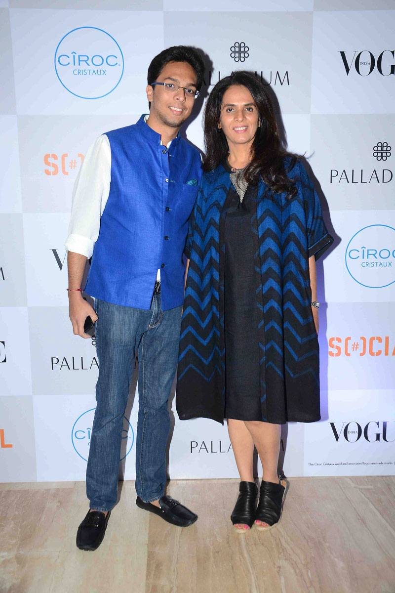 public://images/exec-life-images/2015/09/04/Anita-Dongre-with-son-Yash-at-Fashion's-Night-Out-2015-by-Vogue-at-Palladium,-Mumbai.jpg