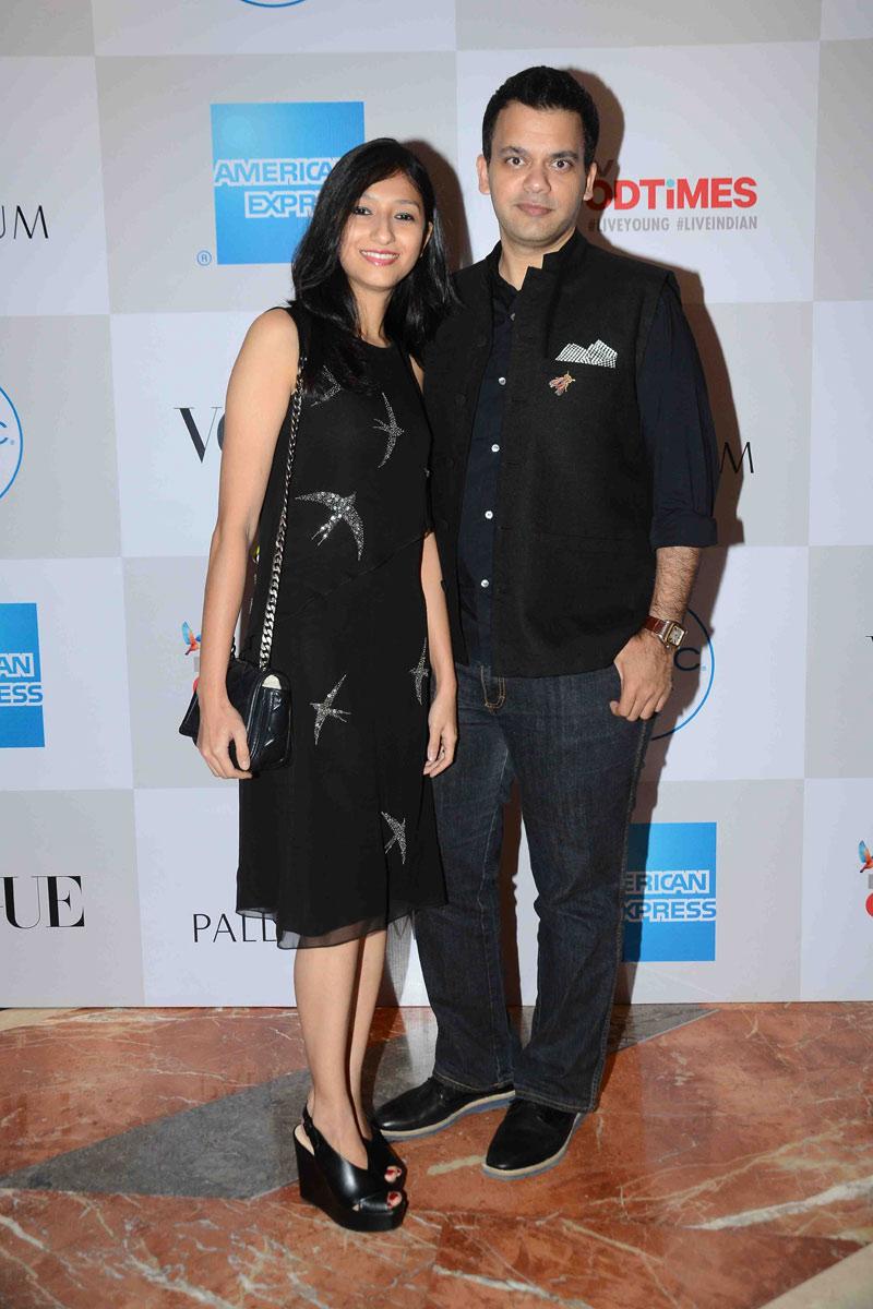 public://images/exec-life-images/2015/09/04/Nachiket-Barve-with-wife-Surabhi-at-Fashion's-Night-Out-2015-by-Vogue-at-Palladium,-Mumbai.jpg