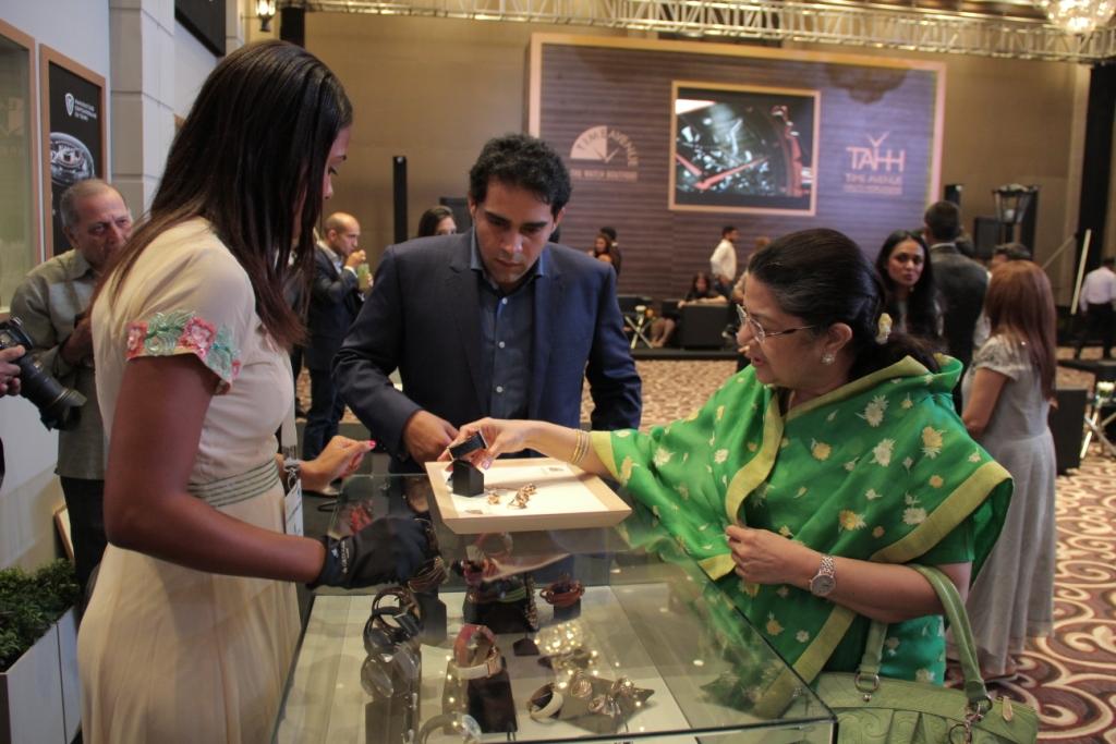 public://images/exec-life-images/2015/10/23/Rajashree Birla at the day 1 of Time Avenue Haute Horlogerie exhibition (2).jpg