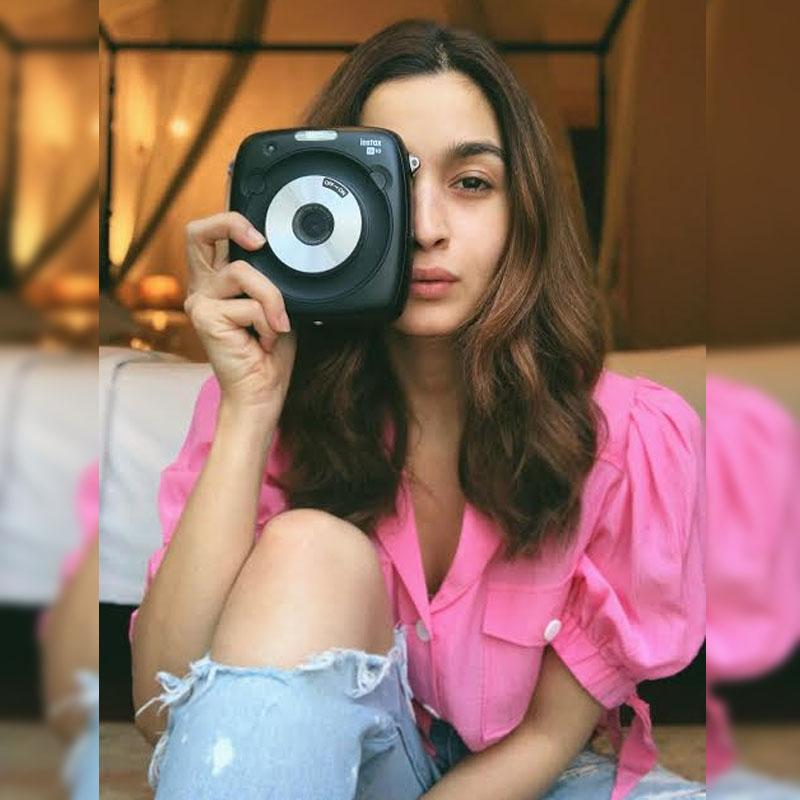 https://www.indiantelevision.com/sites/default/files/styles/230x230/public/images/tv-images/2019/06/18/Alia_Bhatt_.jpg?itok=H5auZc3n
