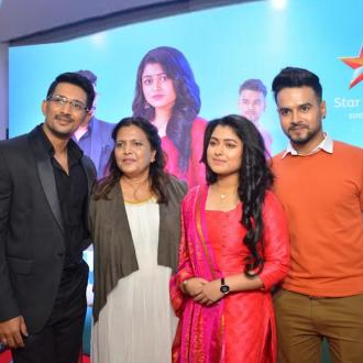 https://www.indiantelevision.com/sites/default/files/styles/330x330/public/images/tv-images/2020/01/23/group.jpg?itok=3THZHCL3