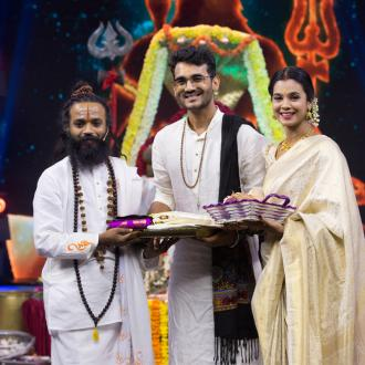 https://www.indiantelevision.com/sites/default/files/styles/330x330/public/images/tv-images/2021/03/09/zee.jpg?itok=W_b_GI3H