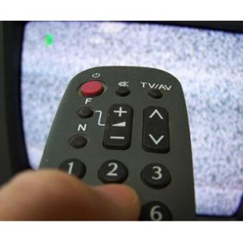 https://www.indiantelevision.com/sites/default/files/styles/340x340/public/images/cable_tv_images/2015/01/31/tv_remote.jpg?itok=vpx26nXa
