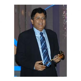 https://www.indiantelevision.com/sites/default/files/styles/340x340/public/images/event-coverage/2014/05/15/kalanithi_maran.jpg?itok=fPa1PzI6