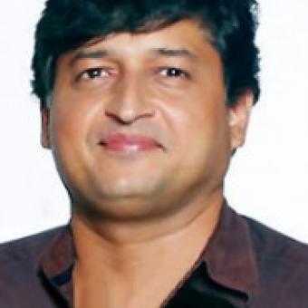 https://www.indiantelevision.com/sites/default/files/styles/340x340/public/images/exec-life-images/2015/01/22/14612-aatish-kapadia-medium.jpg?itok=H7PDdXQP