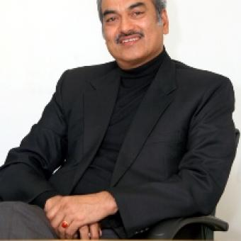 https://www.indiantelevision.com/sites/default/files/styles/340x340/public/images/exec-life-images/2015/02/19/narayn_rao1.JPG?itok=Ze1iLH4s