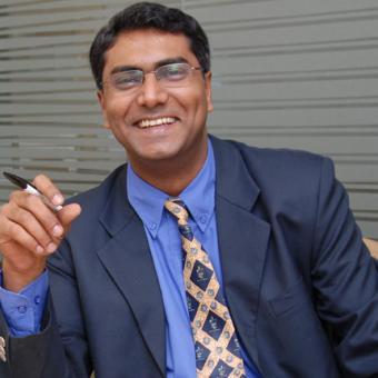https://www.indiantelevision.com/sites/default/files/styles/340x340/public/images/exec-life-images/2015/09/16/Sameer.jpg?itok=Clbkn58E