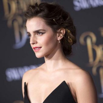 https://www.indiantelevision.com/sites/default/files/styles/340x340/public/images/headlines/2017/12/12/Emma-Watson.jpg?itok=Jb9xtZaR