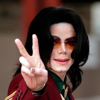 https://www.indiantelevision.com/sites/default/files/styles/340x340/public/images/headlines/2018/10/19/Michael-Jackson.jpg?itok=yCdRvokh