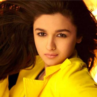 https://www.indiantelevision.com/sites/default/files/styles/340x340/public/images/internet-images/2014/08/26/alia_bhatt.jpg?itok=07S-rl8W