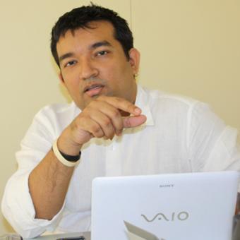 https://www.indiantelevision.com/sites/default/files/styles/340x340/public/images/mam-images/2013/12/05/novmam39.jpg?itok=cAJZVyyM