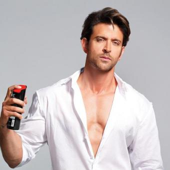 https://www.indiantelevision.com/sites/default/files/styles/340x340/public/images/mam-images/2014/06/10/Hrithik.JPG?itok=eukCHCeO