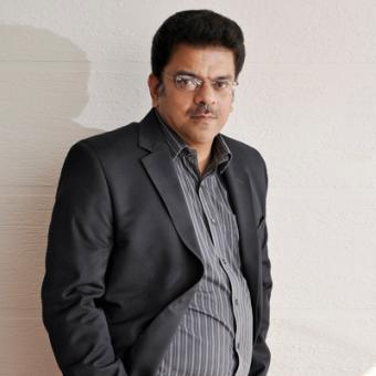 https://www.indiantelevision.com/sites/default/files/styles/340x340/public/images/mam-images/2014/09/06/rohit.jpg?itok=zQfq8LX1