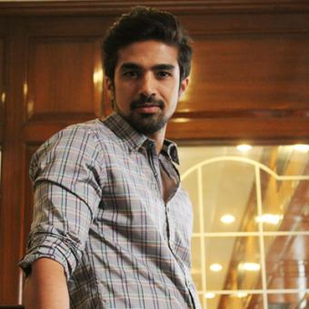 https://www.indiantelevision.com/sites/default/files/styles/340x340/public/images/movie-images/2014/05/10/IMG_0150.JPG?itok=fxZtd2yr