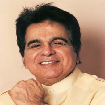 https://www.indiantelevision.com/sites/default/files/styles/340x340/public/images/movie-images/2014/06/02/dilip_kumar.jpg?itok=UXpRmpJz