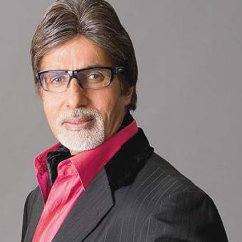 https://www.indiantelevision.com/sites/default/files/styles/340x340/public/images/movie-images/2014/06/17/amitabh-bachchan-680631l.jpg?itok=MeX-aDC0