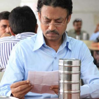 http://www.indiantelevision.com/sites/default/files/styles/340x340/public/images/movie-images/2014/07/03/The-Lunchbox.jpg?itok=RkoKbLDS