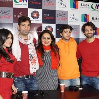 https://www.indiantelevision.com/sites/default/files/styles/340x340/public/images/movie-images/2014/12/11/aac.jpg?itok=b-0PruVF