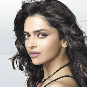 https://www.indiantelevision.com/sites/default/files/styles/340x340/public/images/movie-images/2014/12/27/aac_0.jpg?itok=cBijuXY8