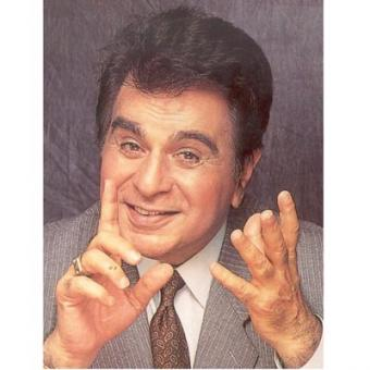 https://www.indiantelevision.com/sites/default/files/styles/340x340/public/images/movie-images/2015/02/07/Dilip-Kumar.jpg?itok=xjaOeY89