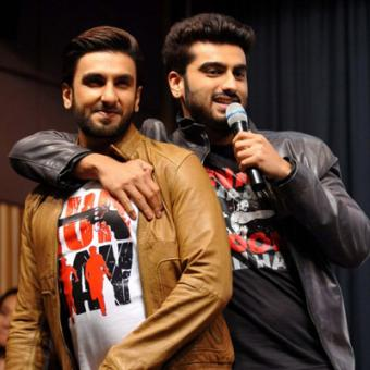 https://www.indiantelevision.com/sites/default/files/styles/340x340/public/images/movie-images/2015/03/30/ranveer%20and%20arjun.jpg?itok=7Ka1Zp4M