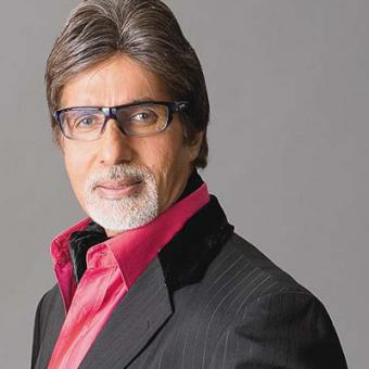 https://www.indiantelevision.com/sites/default/files/styles/340x340/public/images/movie-images/2015/04/08/amitabh.jpg?itok=mGt7qlv1
