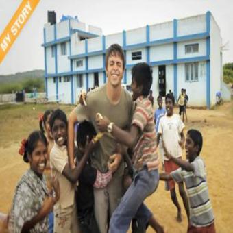 https://www.indiantelevision.com/sites/default/files/styles/340x340/public/images/movie-images/2015/08/06/aah508.jpg?itok=dQRGqMnS