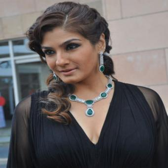 https://www.indiantelevision.com/sites/default/files/styles/340x340/public/images/movie-images/2015/08/20/Raveena%20Tandon.jpg?itok=2fAfv9_r