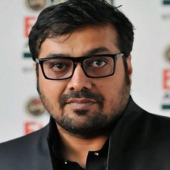 https://www.indiantelevision.com/sites/default/files/styles/340x340/public/images/movie-images/2015/08/20/aac.jpg?itok=pIdpuCDR