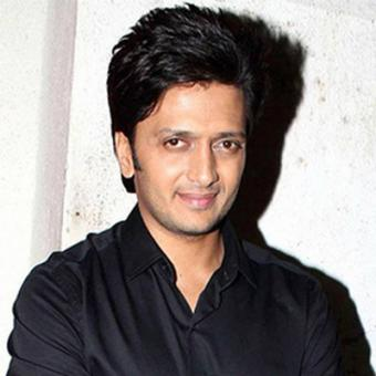 https://www.indiantelevision.com/sites/default/files/styles/340x340/public/images/movie-images/2015/08/25/a_21.jpg?itok=eYXuWVw3