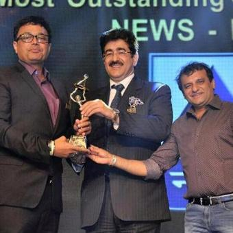 https://www.indiantelevision.com/sites/default/files/styles/340x340/public/images/news_releases-images/2018/01/25/BCS-Ratna-awards.jpg?itok=rvOg_j5C