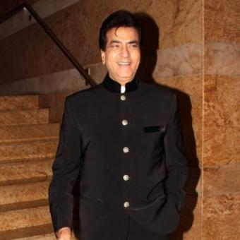 https://www.indiantelevision.com/sites/default/files/styles/340x340/public/images/news_releases-images/2018/03/22/Jeetendra_0.jpg?itok=be7T1dEl