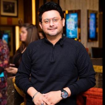 http://www.indiantelevision.com/sites/default/files/styles/340x340/public/images/news_releases-images/2018/06/20/swapnil-joshi.jpg?itok=EnGCXeuS