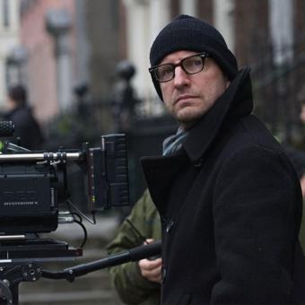 https://www.indiantelevision.com/sites/default/files/styles/340x340/public/images/news_releases-images/2018/06/26/Steven-Soderbergh.jpg?itok=buDNDsQ0