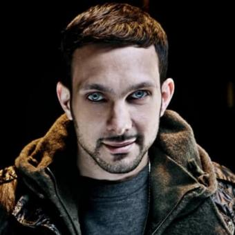 https://www.indiantelevision.com/sites/default/files/styles/340x340/public/images/news_releases-images/2018/09/04/Dynamo-Magician-Impossible.jpg?itok=gczJlhJg