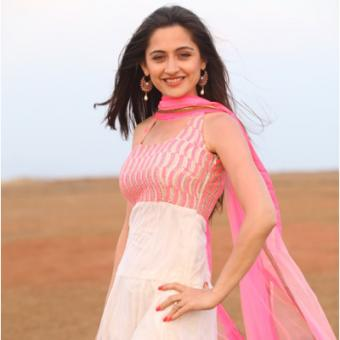 https://www.indiantelevision.com/sites/default/files/styles/340x340/public/images/tv-images/2014/03/27/Sanjeeda%20in%20EHT.JPG?itok=bCuazkn-