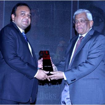 https://www.indiantelevision.com/sites/default/files/styles/340x340/public/images/tv-images/2014/04/30/Awards.JPG?itok=0DUUbMjb