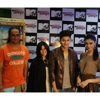 https://www.indiantelevision.com/sites/default/files/styles/340x340/public/images/tv-images/2014/05/20/jhand.JPG?itok=8BkaJMLL