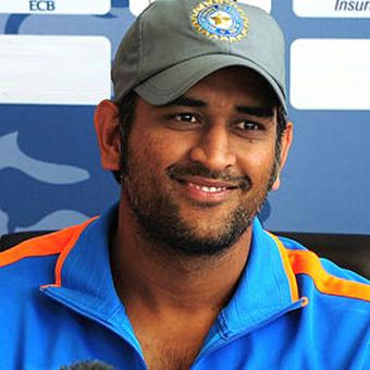 https://www.indiantelevision.com/sites/default/files/styles/340x340/public/images/tv-images/2014/05/28/dhoni.jpg?itok=GHOUH1MC
