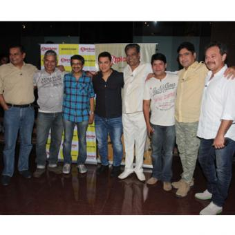 https://www.indiantelevision.com/sites/default/files/styles/340x340/public/images/tv-images/2014/06/10/team_0.jpg?itok=Ozvaig2F