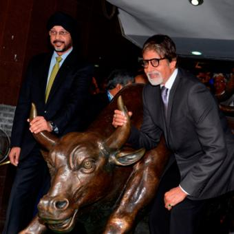 http://www.indiantelevision.com/sites/default/files/styles/340x340/public/images/tv-images/2014/06/17/AmitabhBachchan.JPG?itok=MgfyF9di