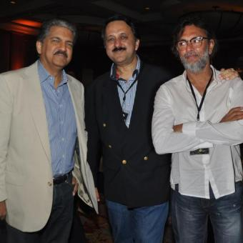 https://www.indiantelevision.com/sites/default/files/styles/340x340/public/images/tv-images/2014/07/29/cinestaan.JPG?itok=-wUbIzI2