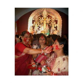 http://www.indiantelevision.com/sites/default/files/styles/340x340/public/images/tv-images/2014/09/25/durga%20pooja.jpg?itok=iZdQHpyK