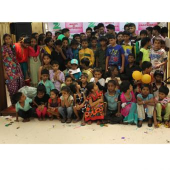 https://www.indiantelevision.com/sites/default/files/styles/340x340/public/images/tv-images/2014/11/11/Zee%20Cinema%27s%20initiative%20for%20NGO%20kids%20on%20Children%27s%20Day-%20Masti%20ki%20Pathsha...jpg?itok=VMZwIqtq