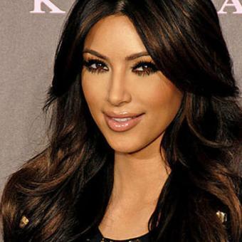 https://www.indiantelevision.com/sites/default/files/styles/340x340/public/images/tv-images/2014/11/17/4530_Kim_Kardashian.jpg?itok=FfNb06F8